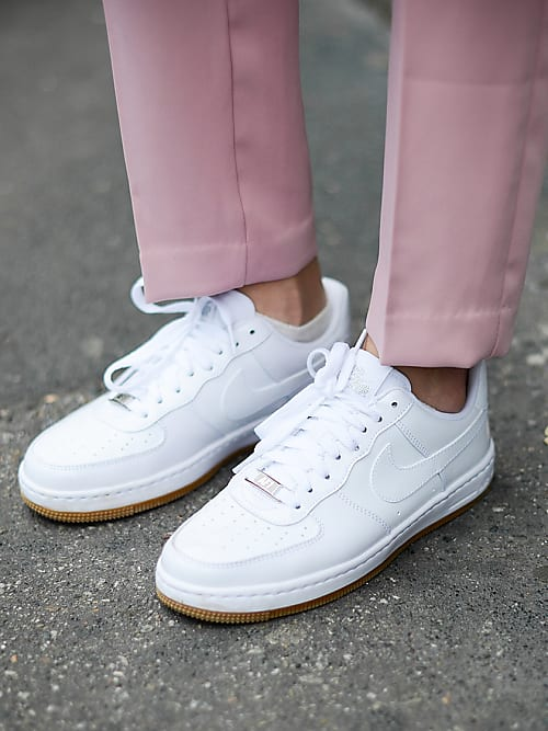 Keep Your White Sneakers Fresh With These 10 Tricks | Stylight
