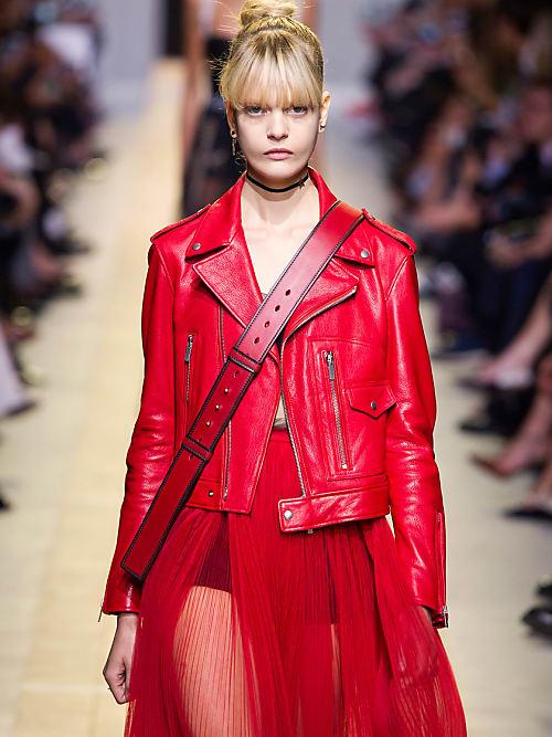 hot sales 97e4f 4b93b Red Hot Biker Jacket: la giacca di pelle must-have è rossa ...