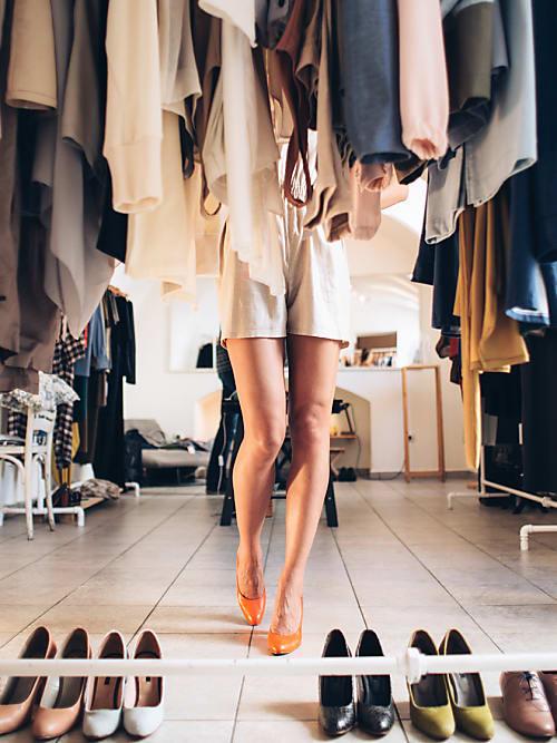 Chaos im Kleiderschrank? Mit diesen 10 Tipps löst du es sofort ...