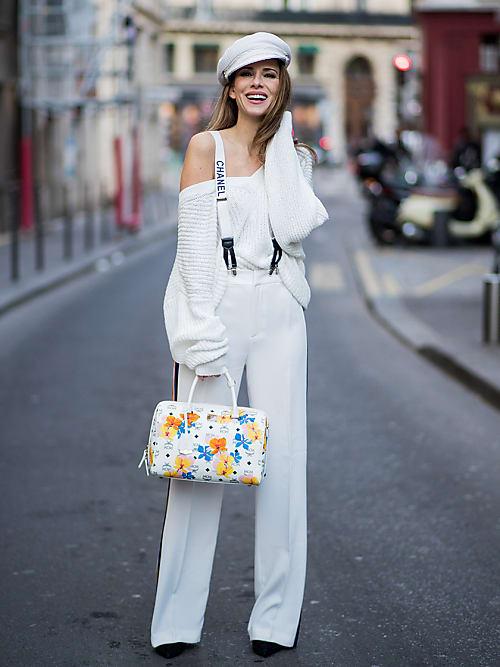 Diese Fashionista stylt die Chanel-Hosenträger zur Marlenehose und einem  Baker-Boy-Hut. Der Look ist ein tolles Beispiel, wie Hosenträger stylish  getragen ... 821f604488
