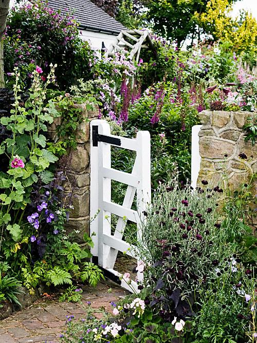 Cottage Gärten Bezaubern Mit Romantischem Landhaus CharmePhoto: Getty Images