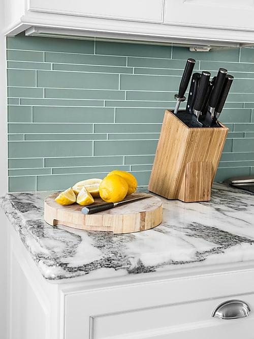 Come decorare una cucina piccola: 3 idee salva spazio | Stylight