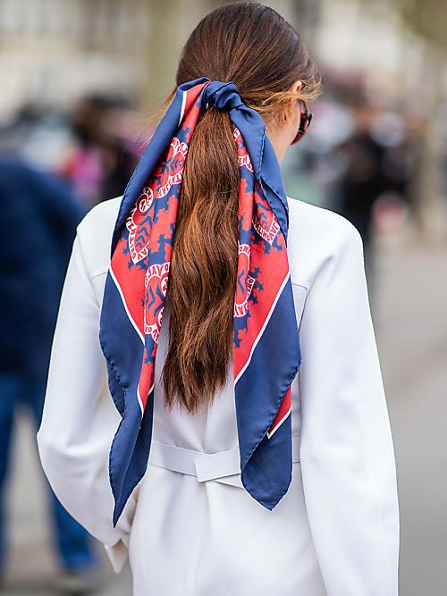 c0f1c6dca6 Le foulard en soie est-il le nouveau must-have de la saison | Stylight