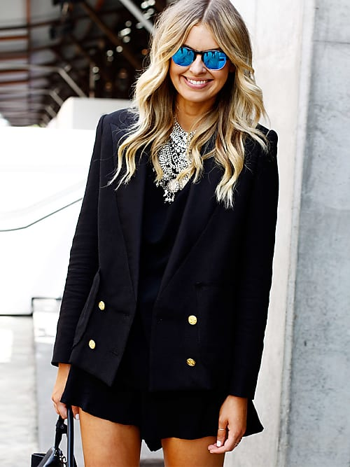Diese Mode-Basics braucht jede Frau im Kleiderschrank.