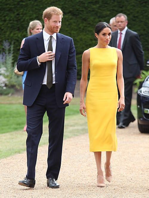 Gelbes kleid schuhe