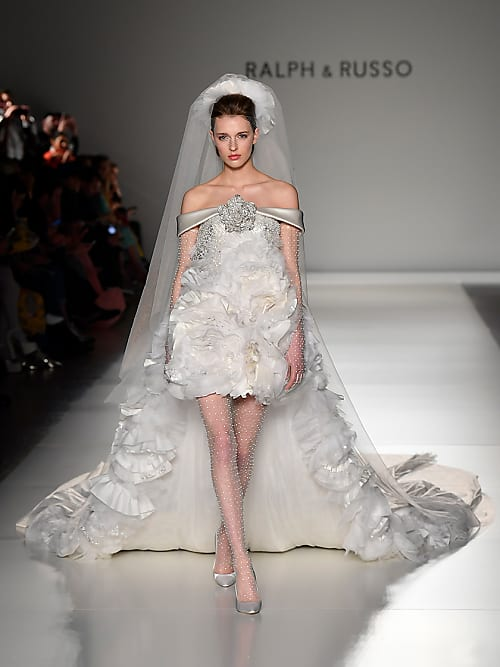 Abiti Da Sposa Yoox.Abiti Da Sposa Haute Couture 2020 5 Modelli Da Copiare Stylight