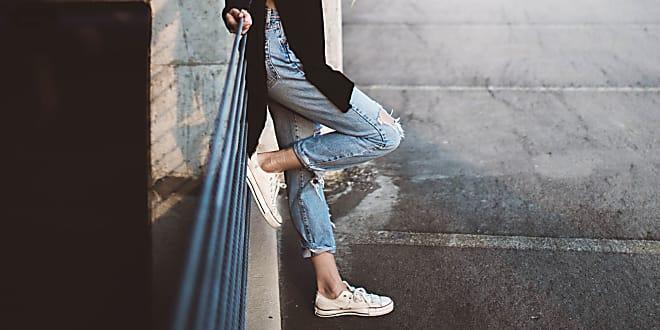Wenn ihr euch irgendwie einfach nicht mit den klobigen Dad-Sneakers anfreunden könnt, dann haben wir hier die beste Alternative für euch!
