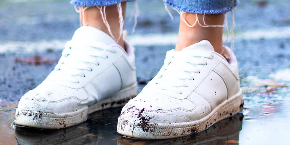 Sneaker richtig imprägnieren und vor Dreck schützen | House