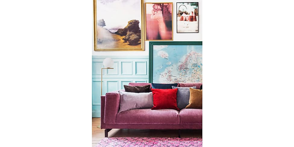 Mensole Dietro Al Divano : Come decorare la parete dietro al divano idee stylight