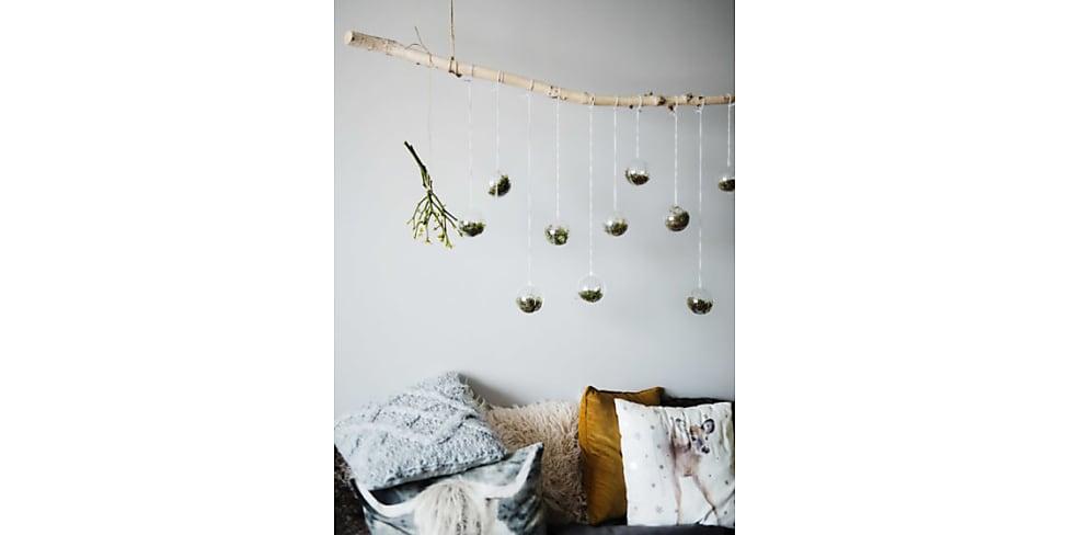 leseecke einrichten diese 7 pieces d rfen nicht fehlen stylight. Black Bedroom Furniture Sets. Home Design Ideas