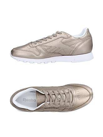 23606bc97f400 amp  Chaussures Reebok Sneakers Basses Tennis EHTT4RAWq