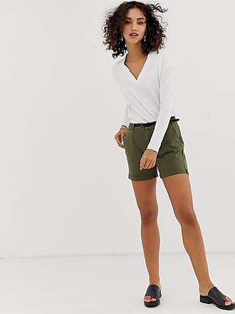 Vero Moda chino shorts in khaki - Green