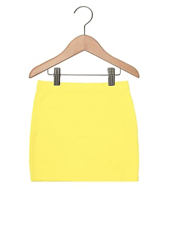 Bisi Saia Bisi Menina Amarelo