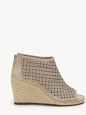 4c4c150d741 Vince Camuto® Slip-On Shoes: Must-Haves on Sale up to −55% | Stylight