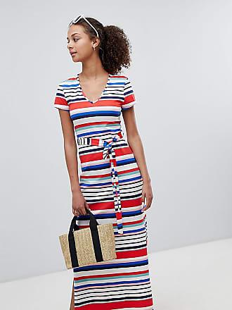 5549ceb80892 New Look Vestito T-shirt lungo con scollo a V e righe arcobaleno - Bianco