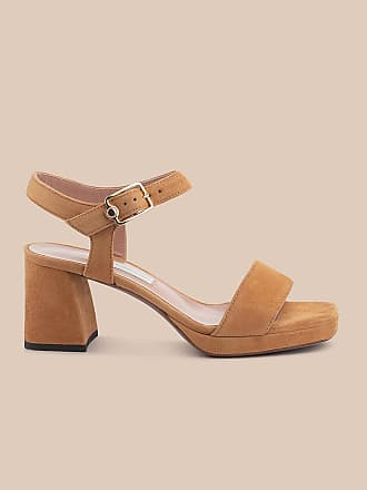 L'autre Chose TAN-COLOURED-SUEDE SANDAL WITH A FLARED HEEL