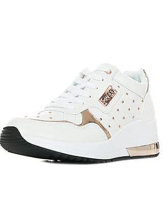 6d858650981 Chaussures Guess®   Achetez jusqu  à −56%