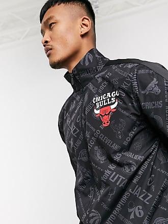 New Era NBA - Schwarze Jacke mit Chicago Bulls Muster