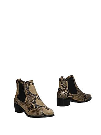 6a2d4bf3f0ff Belstaff® Boots − Sale  up to −80%