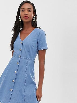 Asos Tall ASOS DESIGN Tall - Nachmittags-Jeanskleid in mittelblauer Waschung mit Knöpfen in Hornoptik