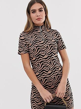 54dd712bc8cd Prettylittlething Vestito a fascia con zip sul davanti e stampa tigrata -  Multicolore
