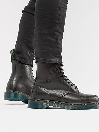 Dr. Martens 1460 skull 8-eye boots in black - Black