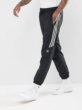 c3850c746235f0 adidas Originals. Herren Jogginghosen Snap grün XL. Versand  zzgl.  Versandkosten. adidas adidas - Skateboarding - Klassische Jogginghose in  Schwarz