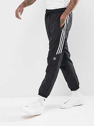e2d3a6cc9d29d2 adidas adidas - Skateboarding - Klassische Jogginghose in Schwarz