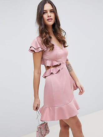bce8ae1a3226 Asos Vestitino a volant in raso increspato con cut-out sul retro - Rosa