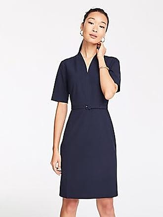 ANN TAYLOR The Petite V-Neck Belted Dress in Seasonless Stretch