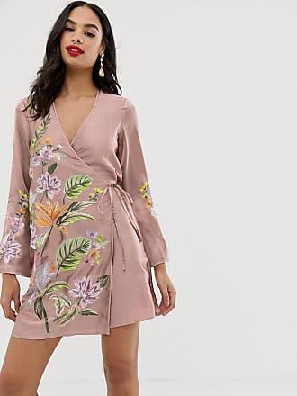 e74c90010e80 Asos Vestitino allacciato con ricami a fiori stile kimono in raso - Rosa