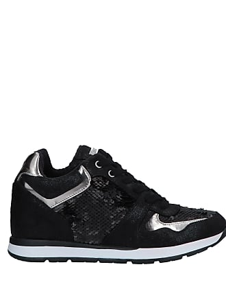 2758e20c118fbe Guess Trainers for Women − Sale: up to −62% | Stylight