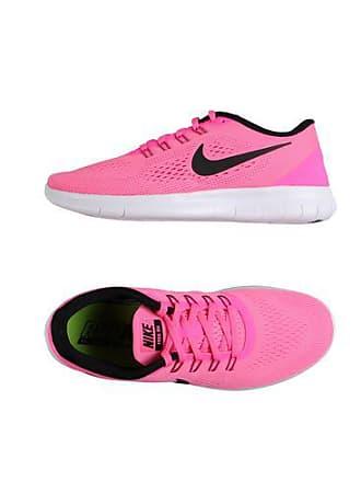 692018e5d1af Nike WMNS NIKE FREE RN - FOOTWEAR - Low-tops   sneakers sur YOOX.