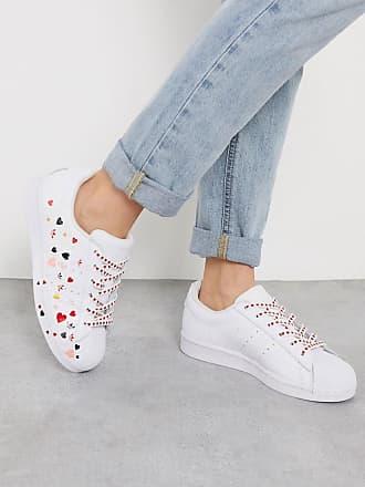 adidas Originals Superstar - Weiße Sneaker mit Herz-Muster