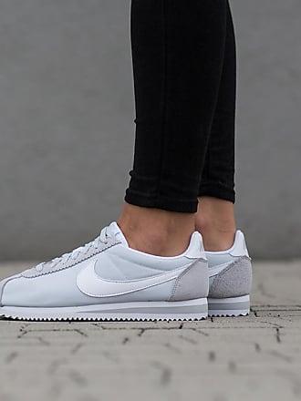 Chaussures D'Été Nike® Femmes en Gris | Stylight