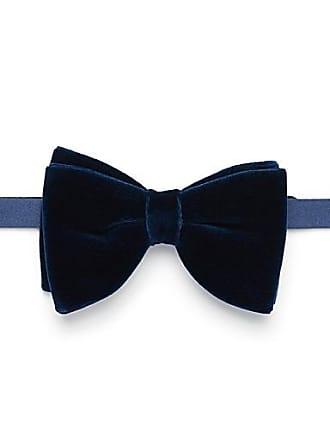 Blick. Rich velvet bow tie