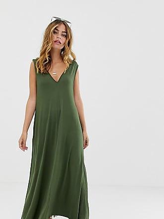214e05dab6e0 Asos Petite ASOS DESIGN Petite - Vestito lungo a trapezio con scollo  profondo - Verde