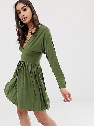 3119e5a1e7e Asos Robe courte col V en jersey et crêpe avec jupe plissée - Vert