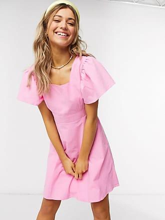 Qed London Minikleid in Rosa mit eckigem Ausschnitt